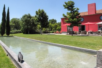 52b37a2e31e80-modern_vacation_rentals_obidos_portugal_69514_ext14
