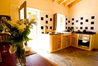 53f268c9b7dbc-modern_vacation_rentals_aljezur_portugal_011